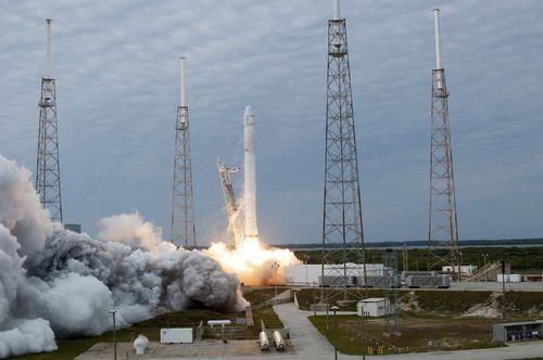 731265main_space_x2_launch_full_full