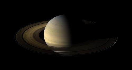 Saturn_Equinox1