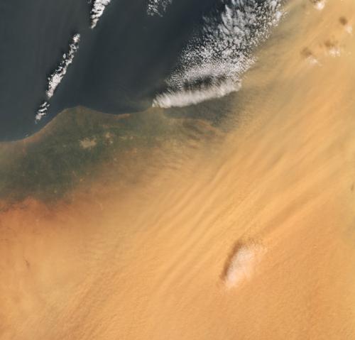 Dust-3-22-2018-ESA-orange-snow